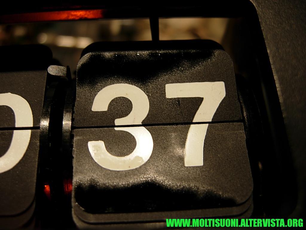 Radiosveglia a cartellini Sony - Moltisuoni 4