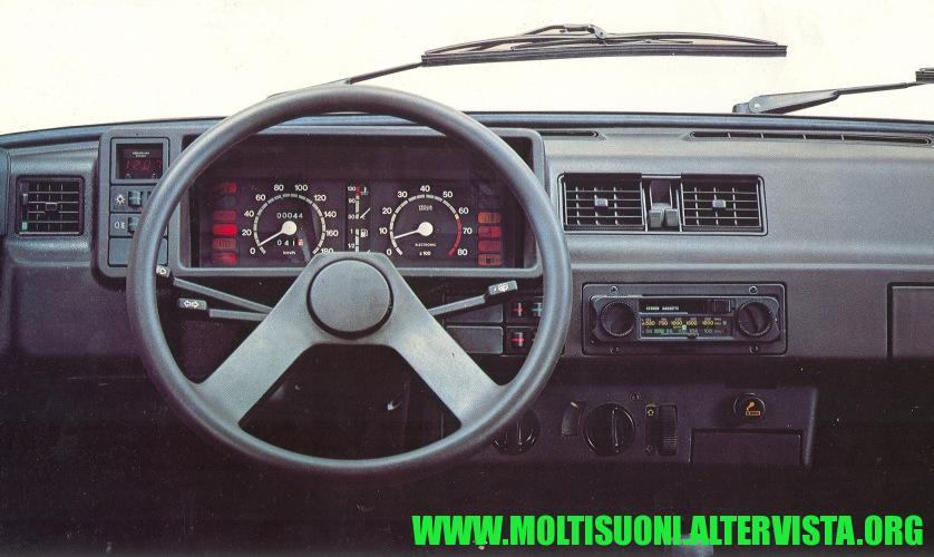 Fiat Ritmo autoradio Voxon