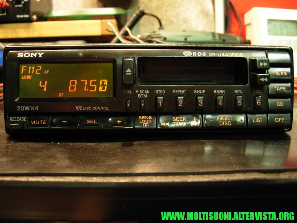 Sony XR-U 440 RDS - Moltisuoni 1
