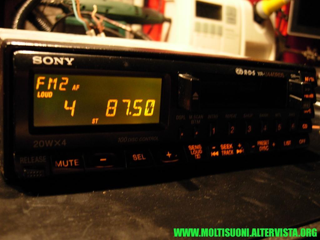 Sony XR-U 440 RDS - Moltisuoni 2