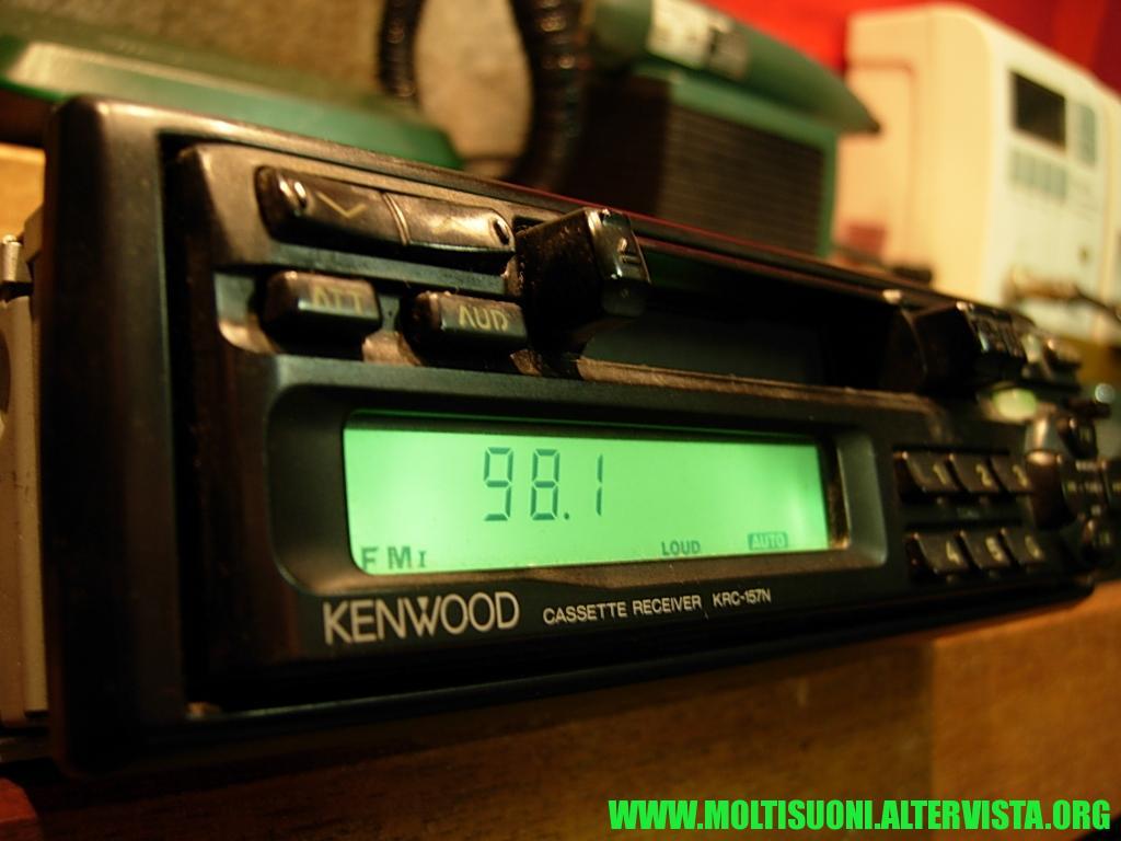 Kenwood KRC 157 N - Moltisuoni 1
