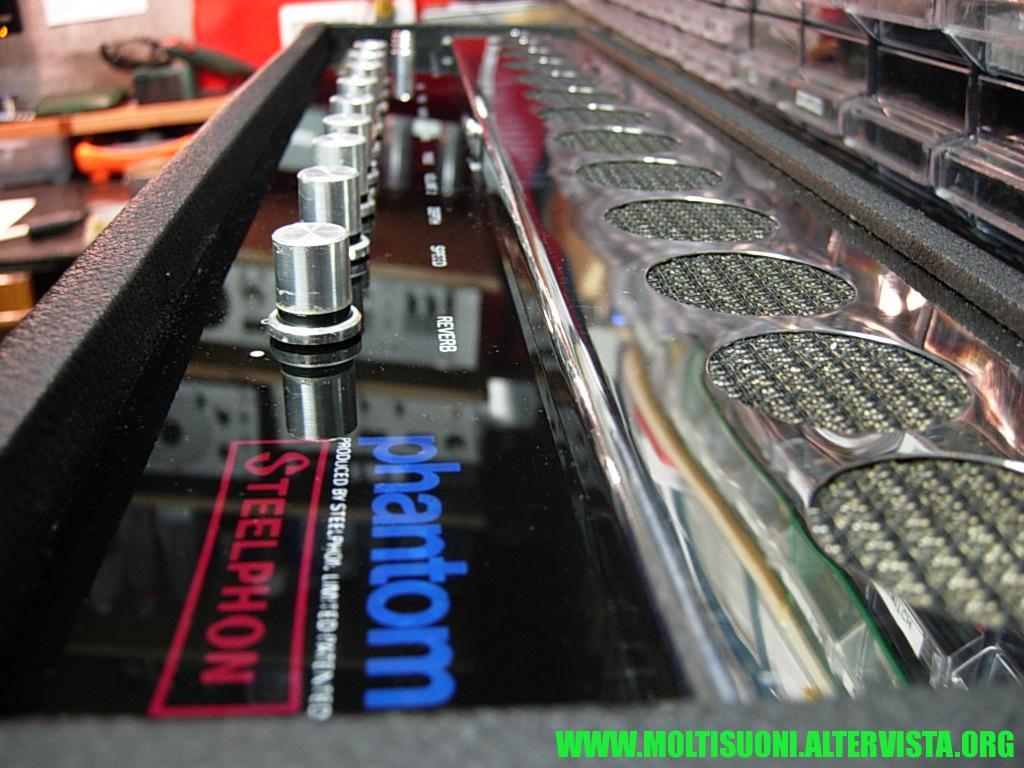 moltisuoni - steelphon phantom 7889